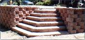 Segmented and stackable michigan retaining wall